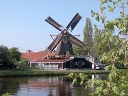 Krijtmolen d'Admiraal in Amsterdam-Noord